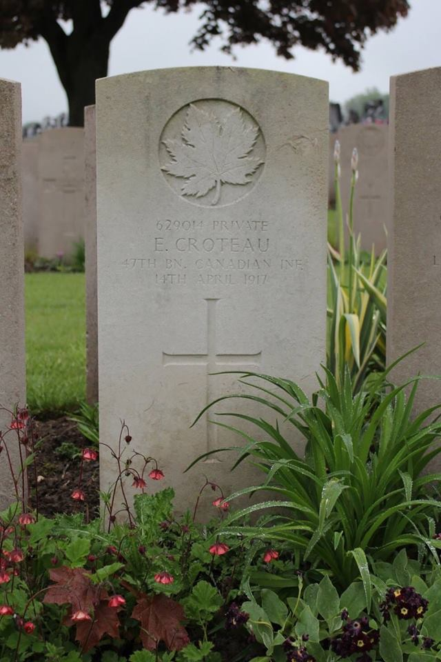 Edmond Croteau's headstone at the Barlin Communal Cemetery Extension, Pas de Calais, France.