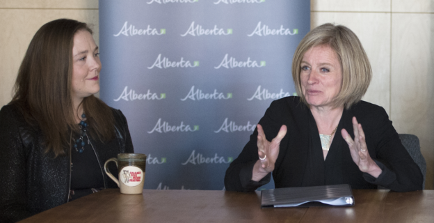 Calgary-East MLA Robyn Luff and Premier Rachel Notley at a roundtable on education affordability in 2017 (photography by Chris Schwarz/Government of Alberta)