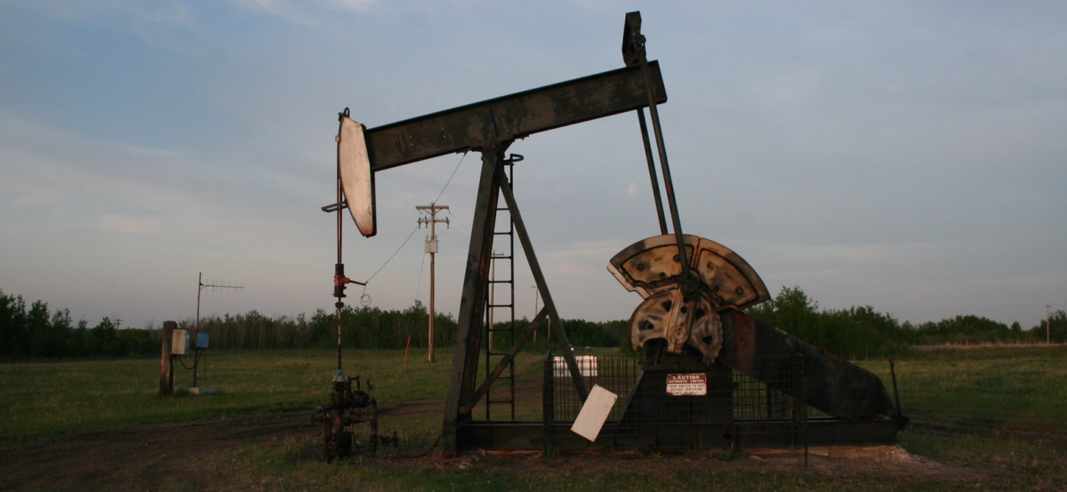An Alberta Oil Well (photo credit: sbamueller on Flickr, Creative Commons license)