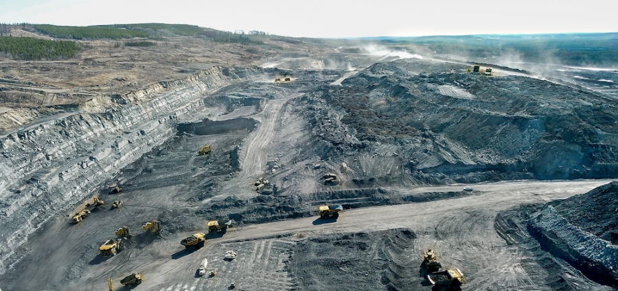 PART OF THE EXISTING VISTA THERMAL COAL MINE NEAR HINTON, ALBERTA (PHOTO: BIGHORN MINING)